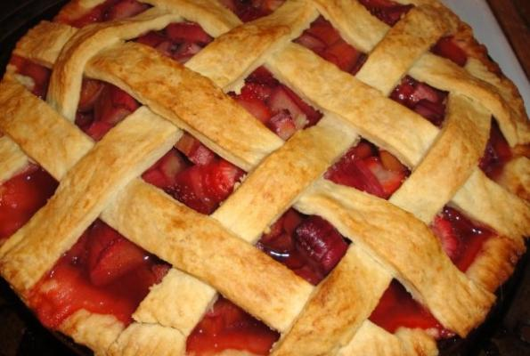 Rhubarb and Strawberry Pie | VegWeb.com, The World's Largest ...
